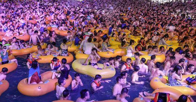 (Видео) Вухан беше град на духови, а сега се прават журки без маски и дистанца