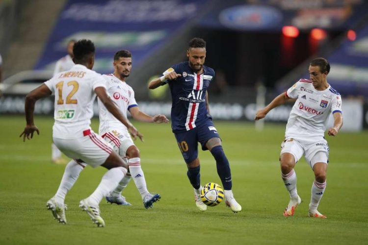 ПСЖ го освои последниот Лига куп против Лион по пенал драмата, но ги загуби Икарди и Курзава