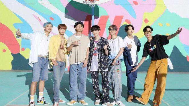 """Песна на корејскиот бенд """"БТС"""" го урна рекордот на """"Јутјуб"""", над 100 милиони прегледи за 24 часа"""