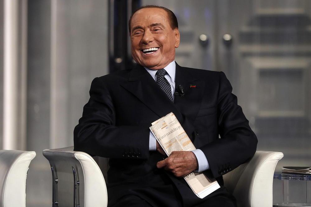 (Фото) Новата девојка на Берлускони е 53 години помлада од него