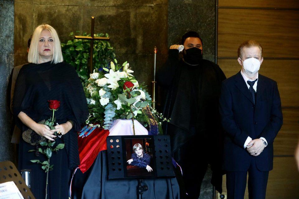 Хрватската естрада се прости од славниот композитор: Погребан Рајко Дујмиќ
