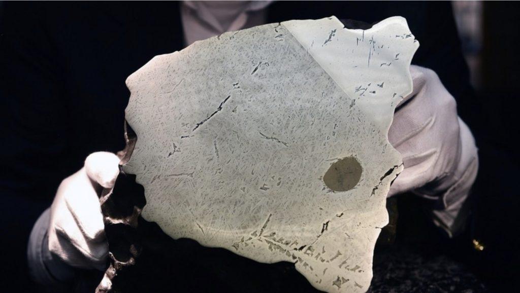 Руски научници пронајдоа во метеорит живот од вонземно потекло