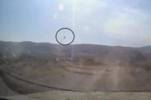 """(Видео) Новинари на """"Евроњуз"""" избегнаа граната додека известуваа од Кавказ"""