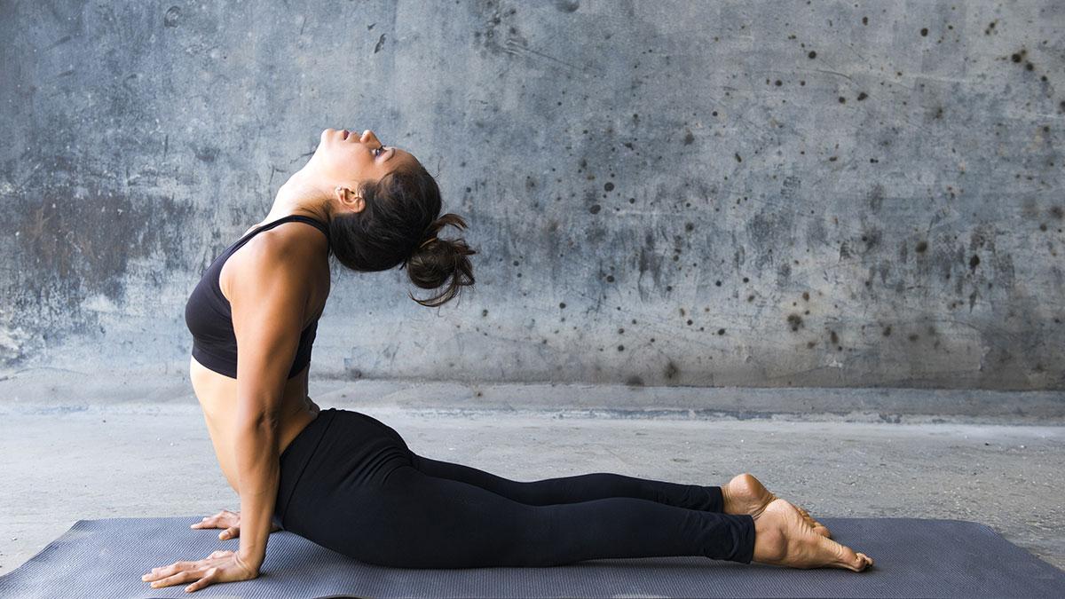 (Видео) Пет јога-пози за утринска енергија
