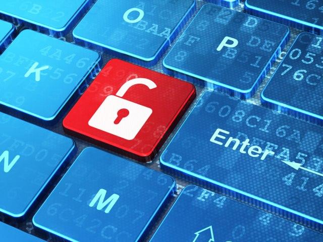 Две екстензии за Google Chrome крадат податоци