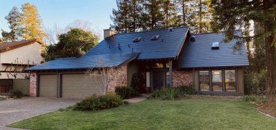Елон Маск: Следниот голем производ на Tesla се соларните покриви