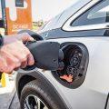 Истражување: 31% од Французите и 26% Германци би се префрлиле на електричен автомобил,