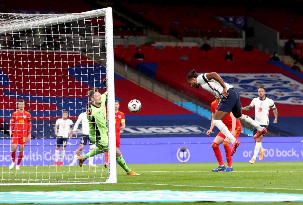 Калверт-Луин стрелец на дебито за Англија, лесна победа над Велс