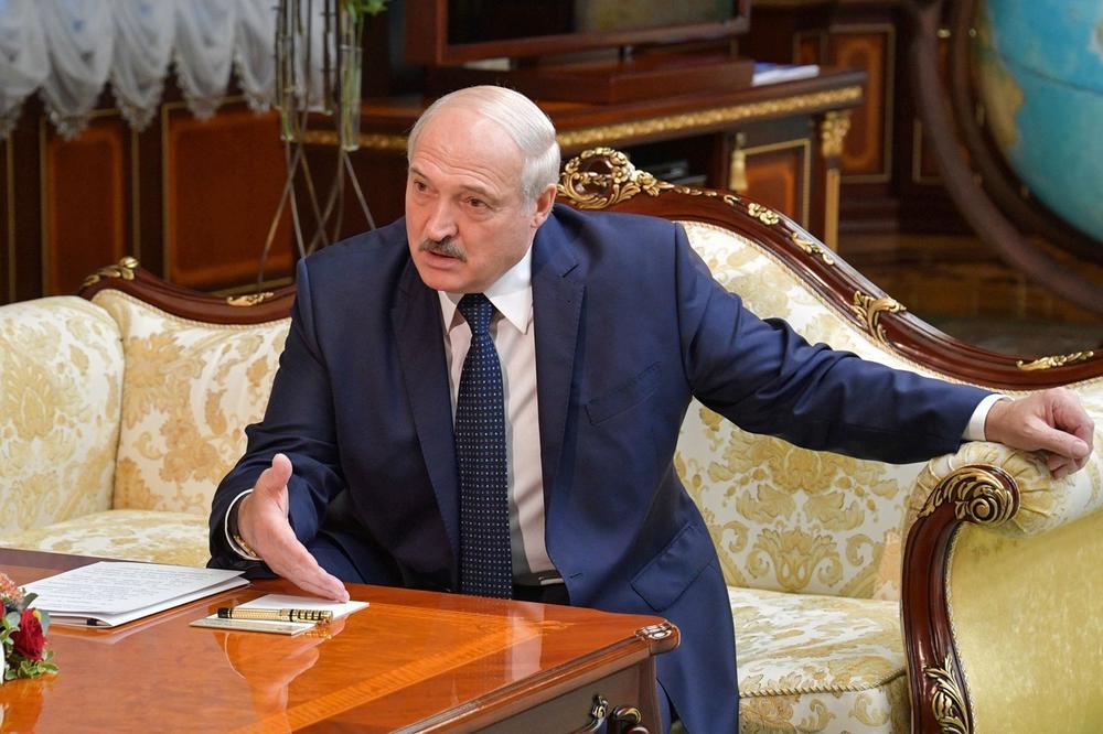 """Лукашенко е загрижен за народот - """"Што ќе правите без мене"""""""