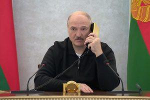 Лукашенко им се закани на студентите дека ќе ги исфрли од факултетите ако протестираат