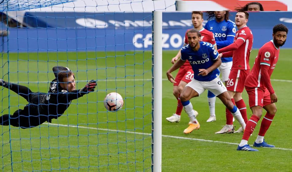 Милиметри го спасија Евертон од пораз против Ливерпул
