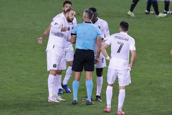 Поцрвене по завршувањето на натпреварот – Игуаин му ја украде славата на Кркиќ