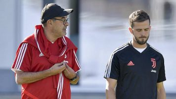 Пјаниќ смета дека фудбалерите го избркаа Сари од Јувентус