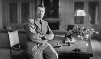 Рачно пишувани говори на Хитлер продадени на аукција