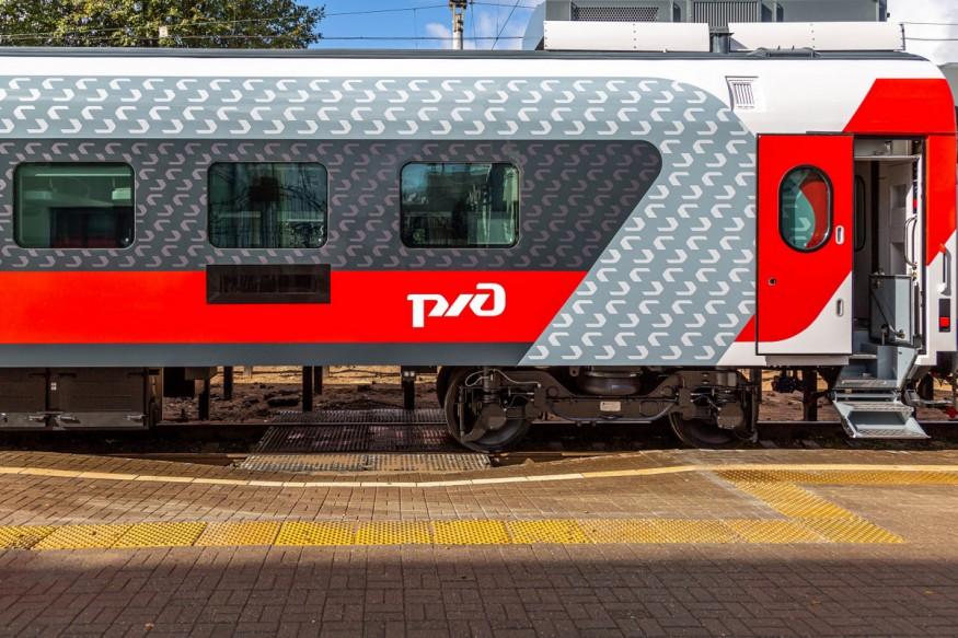 Туш-кабина и USB-влезови: Претставени супермодерни патнички вагони без купе