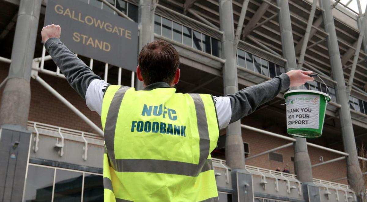 Фановите на Њукасл не го гледаа својот клуб и собраа пари за добротворни цели