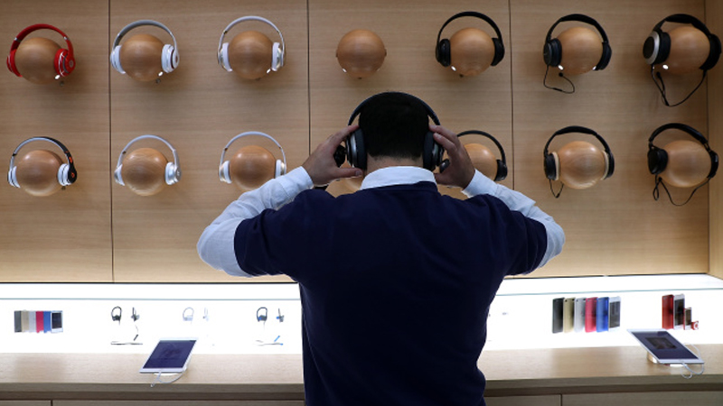 Apple ја отстрани аудио опремата од другите производители