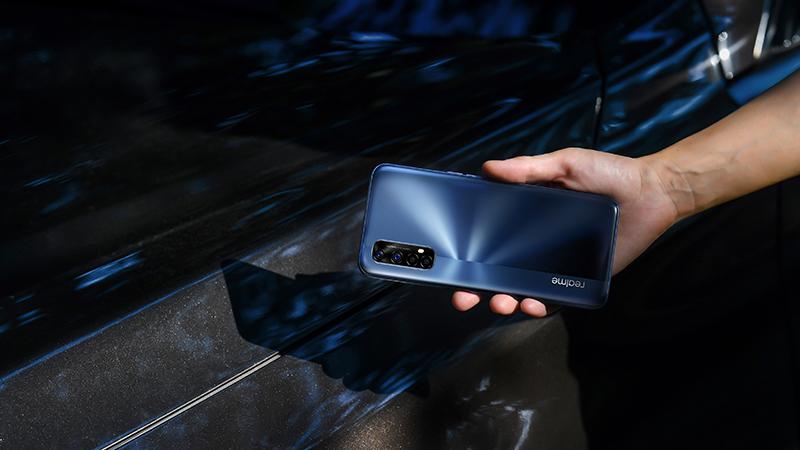 Realme 7 и 7 Pro достапни во претпродажба во Европа (ВИДЕО)