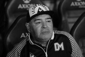 Адвокатот на Марадона ги обвини лекарите дека бавно реагирале за да го спасат