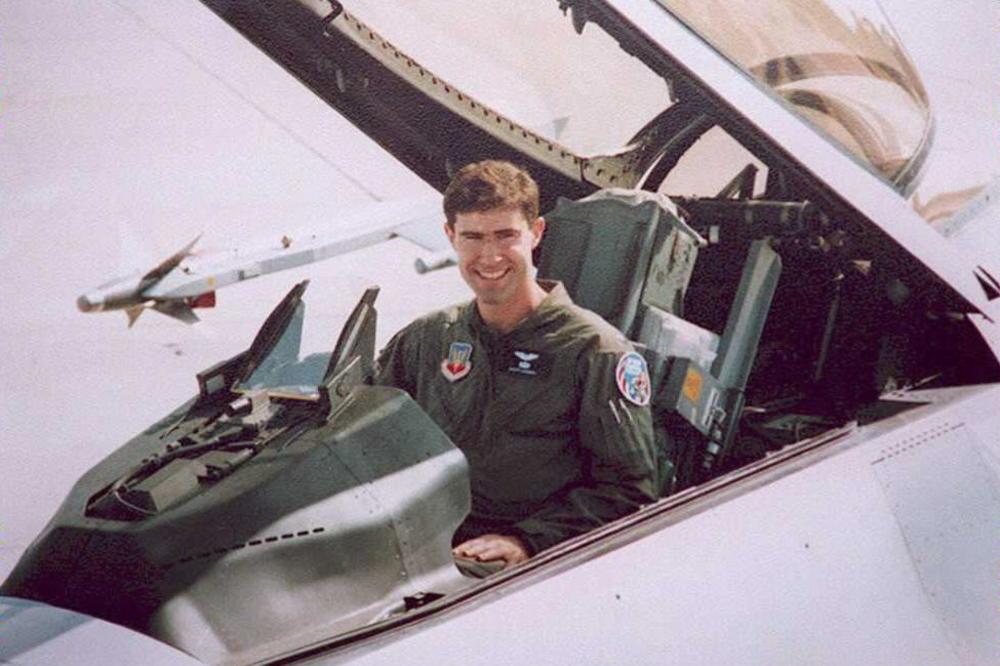 Американскиот пилот кој Србите го соборија во 1995 година, стана заменик шеф во Пентагон