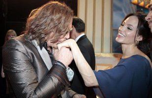 Анџелина Џоли во врска со Мики Рурк
