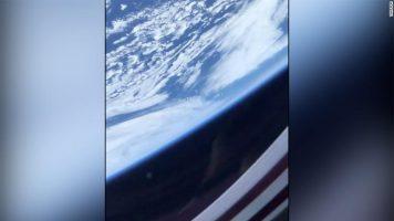 Астронаут сними поглед на Земјата од капсулата на SpaceX во вселената (ВИДЕО)