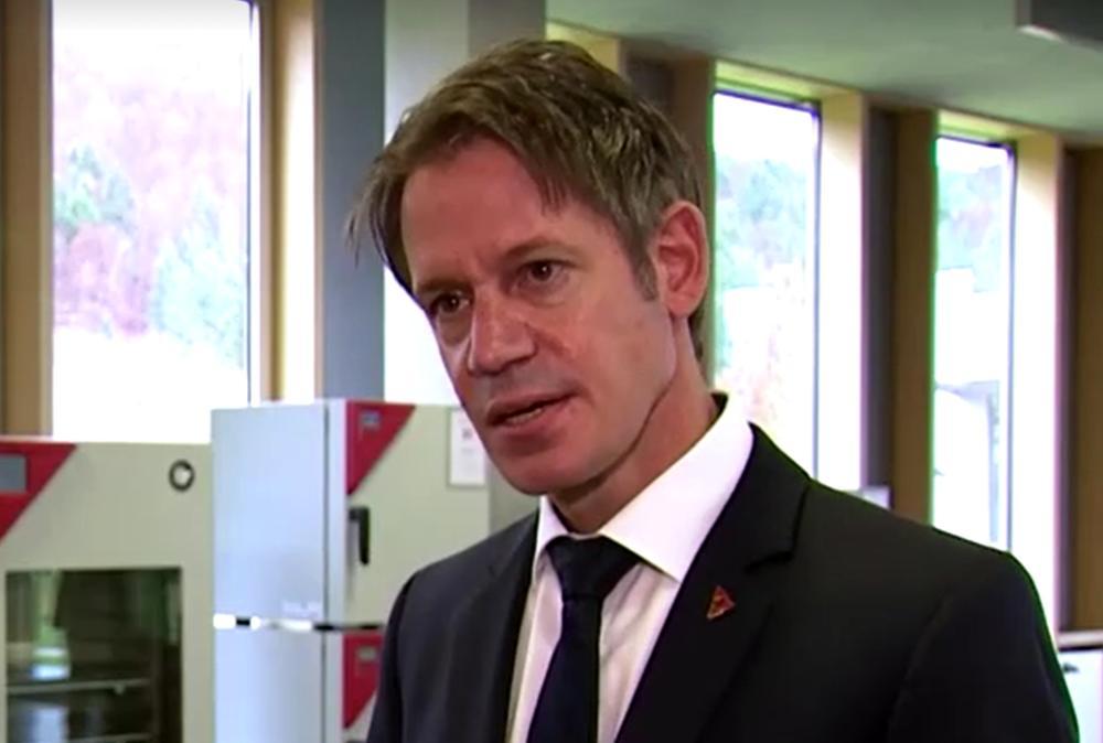 (Видео) Германците прават посебни фрижидери за чување на вакцините за коронавирус