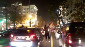 (Видео) Македонија во Европа и без Бојко Борисов: Се слави низ улиците на Скопје