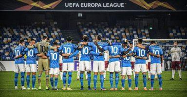 (Видео) Фудбалерите на Наполи носеа дресови со бројот 10 во чест на Марадона