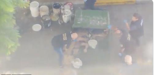 (Вознемирувачко видео) Убиен еден од работниците кој се сликаше со телото на Марадона во ковчег