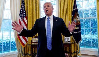 Доналд Трамп од Белата куќа: Ограбен сум, ова беа лажни избори