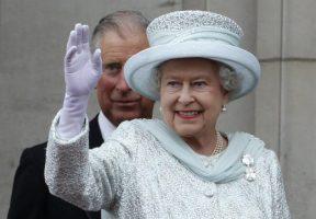 Кралицата лансира џин, 50 фунти за шише од алкохолот на Елизабета