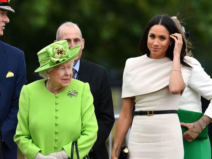 Кралицата молчи за абортусот на Меган Маркл