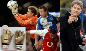 Леман ги покажа ракавиците со кои Арсенал стигнаа до непобедливата сезона