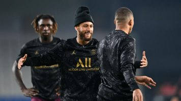 Нејмар, Мбапе и Кин се враќаат против Монако
