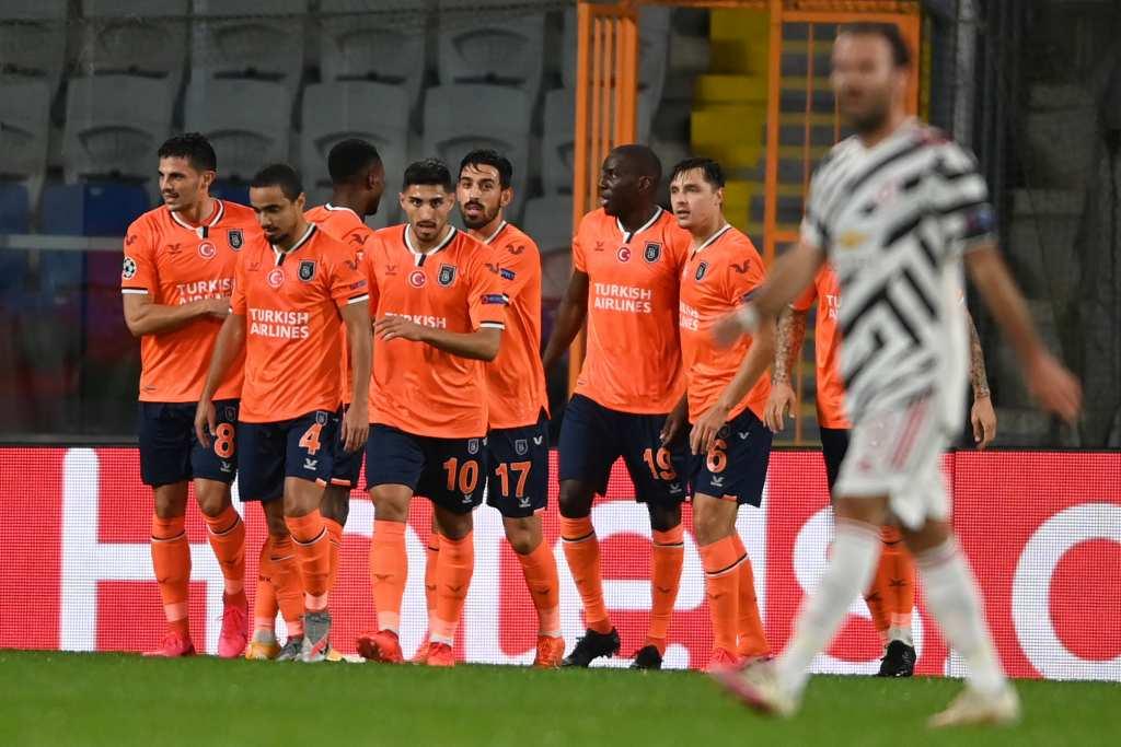 Одбраната на Јунајтед пак потфрли – два гола во Истанбул за 45 минути