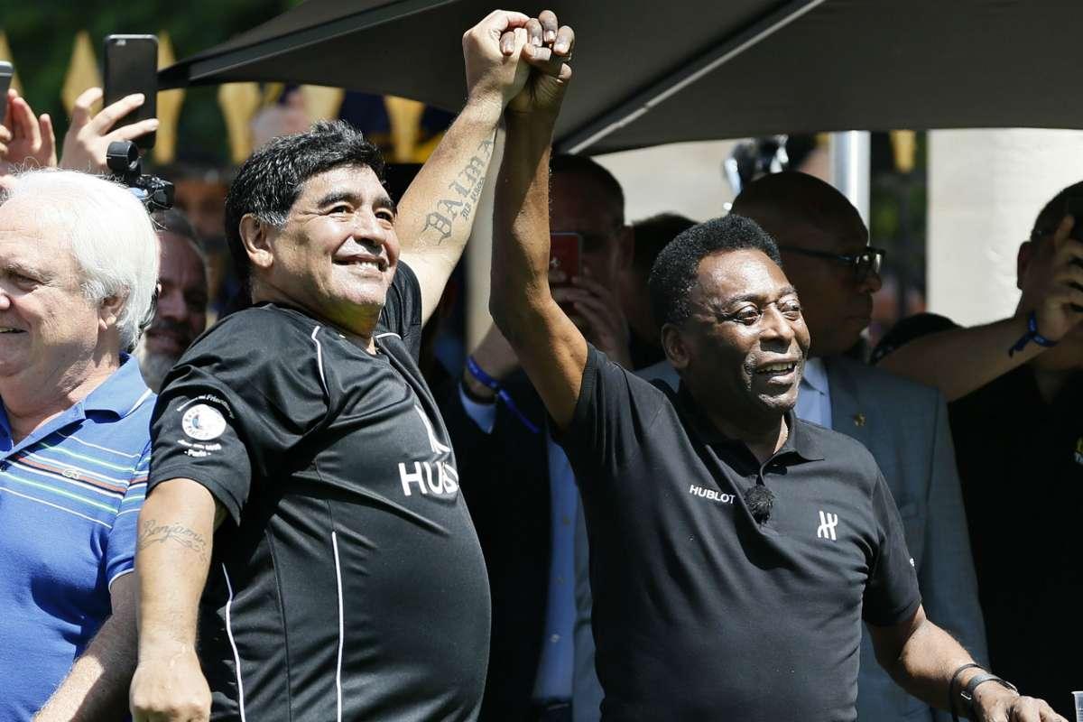 Пеле се прости од Марадона: Еден ден на небо заедно ќе шутираме топка