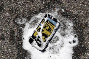 Претставен е првиот антибактериски смартфон на светот (ВИДЕО)