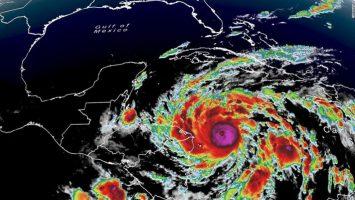 Рекорден број урагани во годинешната сезона на Атлантикот
