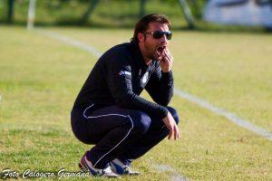 Тренерот на Катанија суспендиран откако спречи контра-напад на противниците.