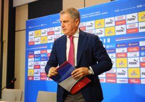 УЕФА го суспендира српскиот селектор