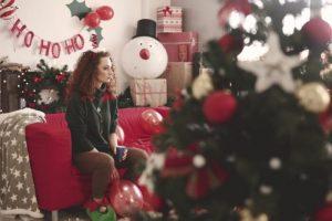 Хороскопски знаци кои не ја сакаат новогодишната еуфорија