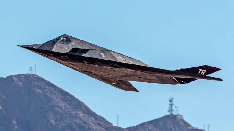 """""""Невидливиот"""" F-117 фотографиран во лет по повеќе од десет години"""
