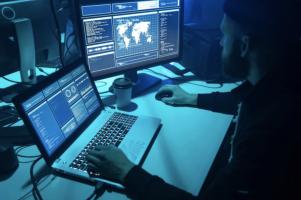 Microsoft: Хакери ги нападнале производителите на вакцини за Ковид-19
