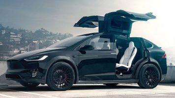 Tesla Model X хакиран и украден за минута (ВИДЕО)