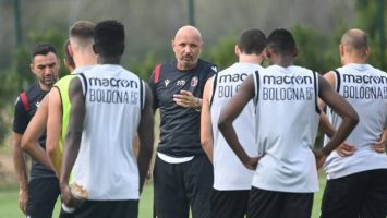 """Болоња се подготвува за Интер, Михајловиќ го бара """"кртот"""" во соблекувалната"""