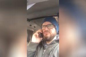 (Видео) За 3 минути, татко му објасни на синот како да ги организира онлајн часовите