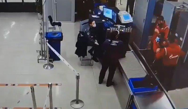 (Видео) Играч на Црвена Звезда направи скандал на аеродром