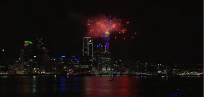 (Видео) Со огномет 2021 година пристигна во Нов Зеланд