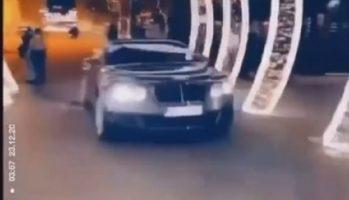 """(Видео) Чаламџија со """"бентли"""" влета на скопскиот плоштад па доби казна од 45 евра"""